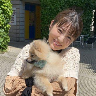 浜辺美波と愛犬ぽぷ
